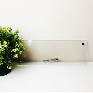 Horizontal Clear Desk Photo Stand